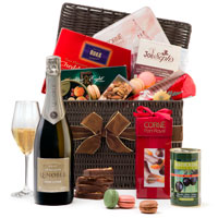 Luxury gift basket by GiftsForEurope